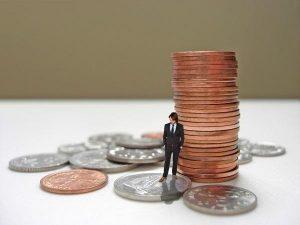 cobrar deuda 300x225 - El Banco de España advierte de que las entidades afrontan un nuevo aumento de fallidos y pide ayudas sólo para las empresas viables