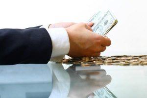 impagados gestion recobro deuda 300x200 - 7 de cada 10 empresas sufren las consecuencias de los impagos y la morosidad