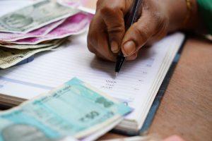 reclamar deudas 300x200 - Cómo reclamar impagados por el procedimiento monitorio