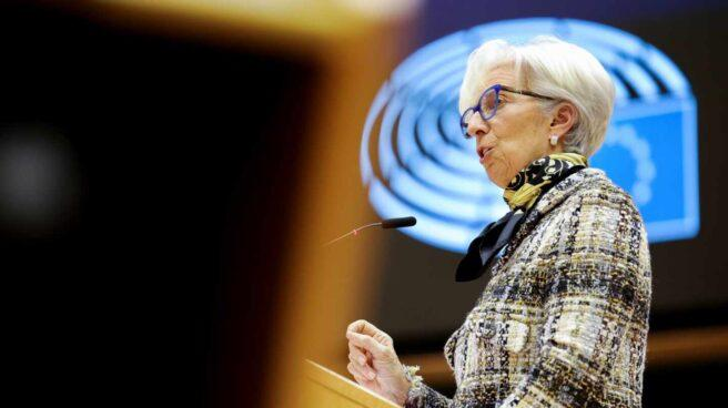 christine lagarde presidenta bce jers 656x368 1 - Las autoridades europeas instan a los gobiernos a vigilar el aumento de la deuda privada